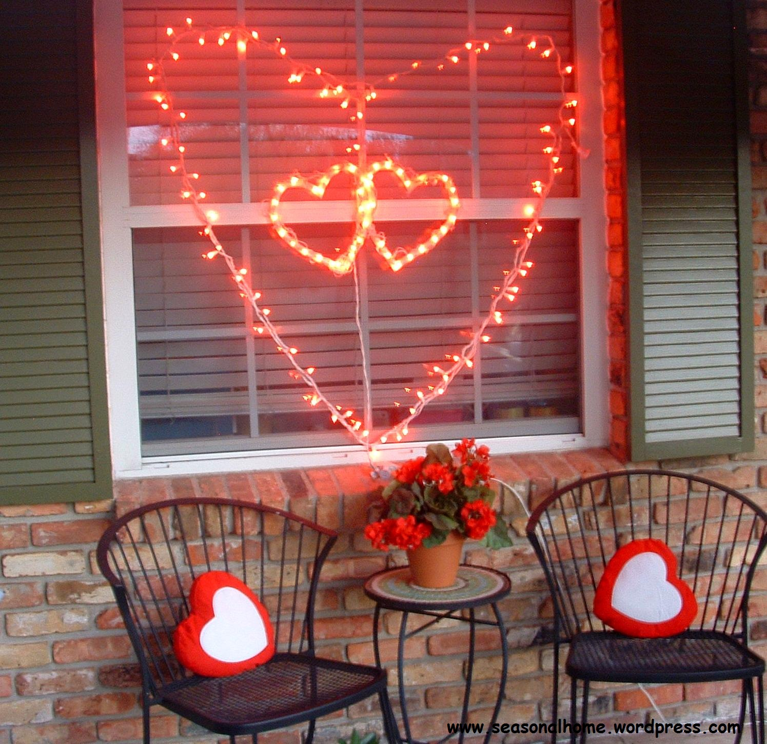 Large valentine s day decoration idea the seasonal home for Home decor ideas string lights