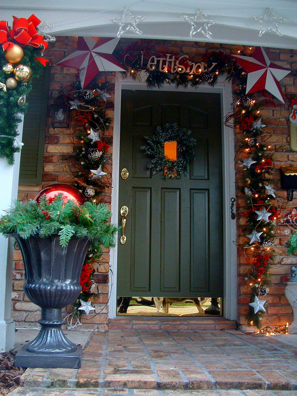 this year - How To Decorate Urns For Christmas
