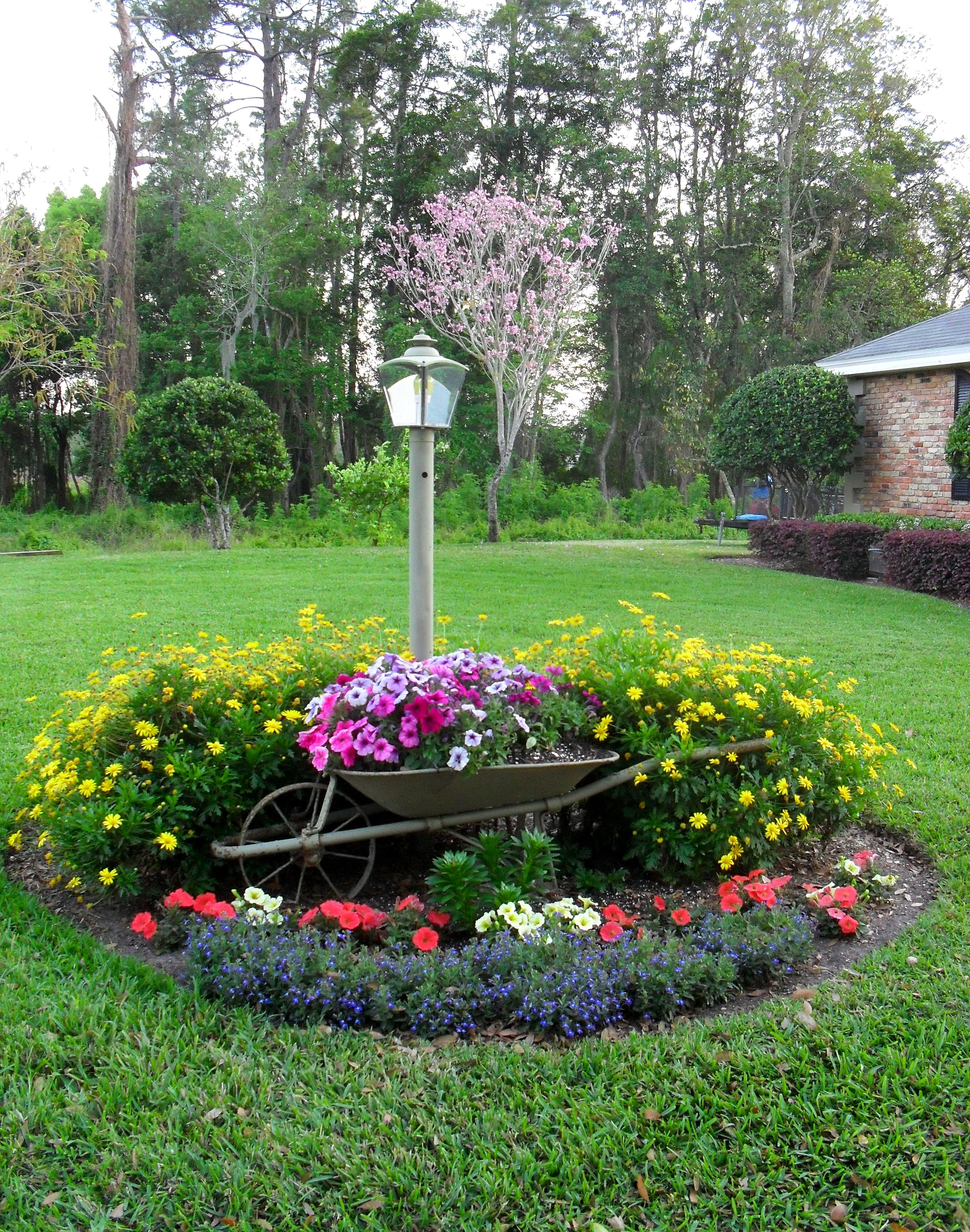 A beautiful garden on the 1st day of SPRING « The Seasonal ...