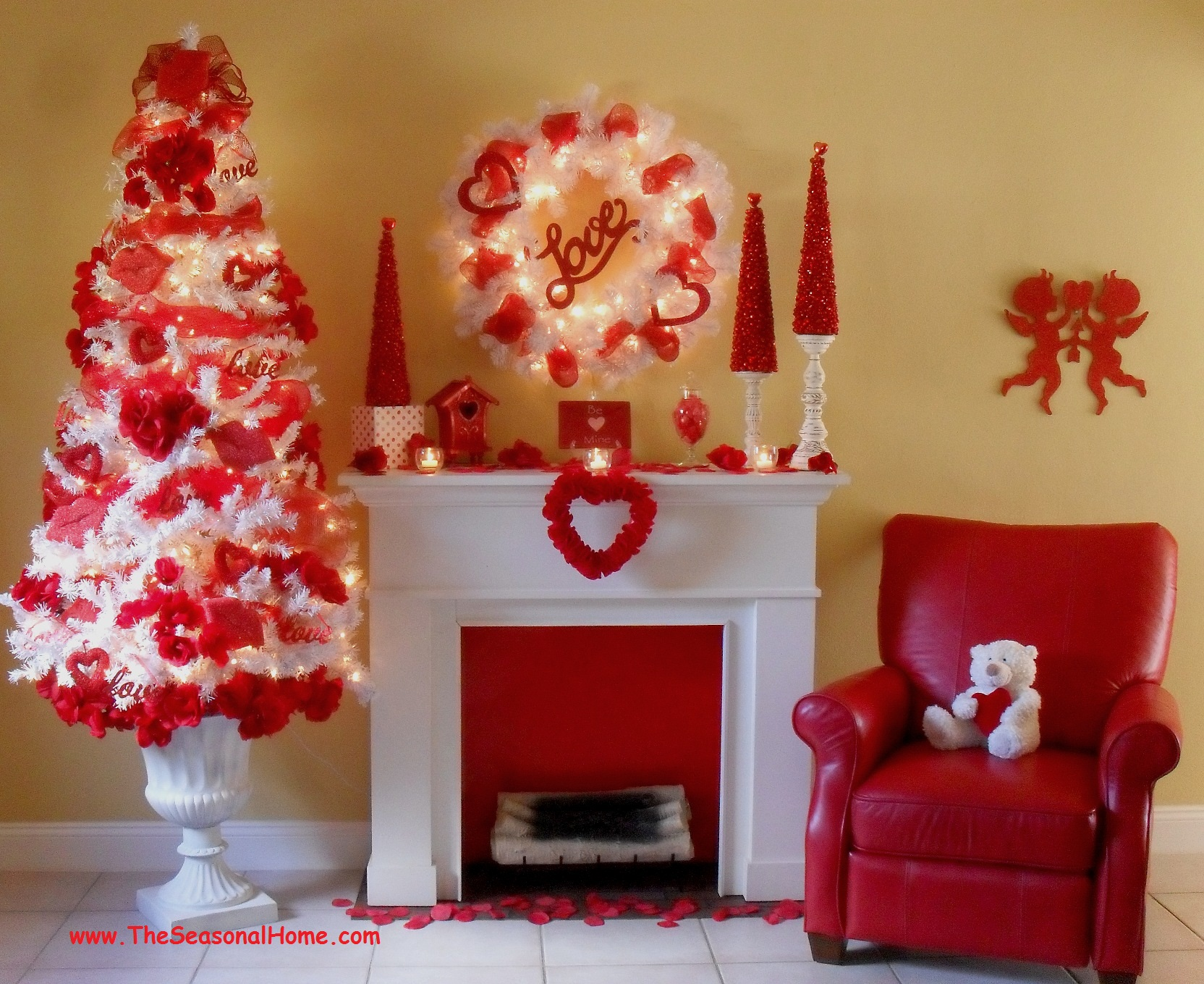 A cozy valentine s day the seasonal home for Seasonal decorations home