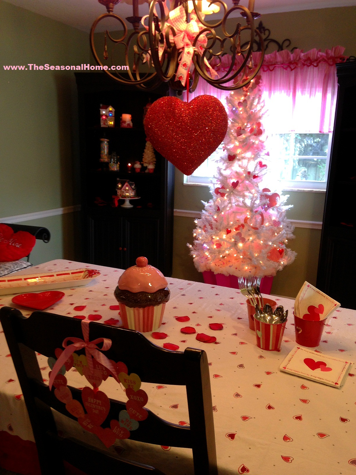 Creative, Re-purposed Decorations For Valentine's Day